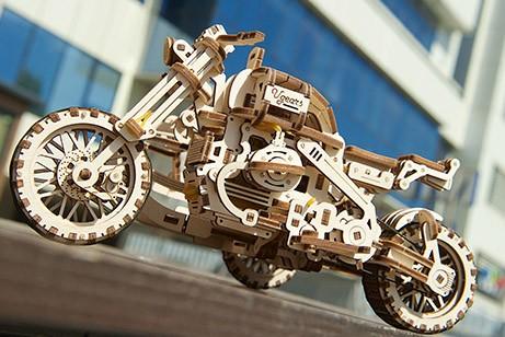 Moto Scrambler UGR-10 con sidecar