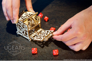 Dice Keeper: device kit for tabletop games