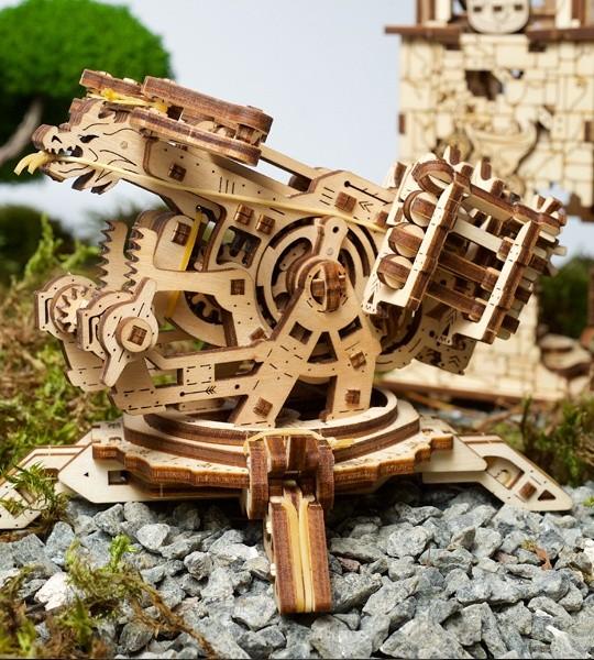 Ugears modelo de kit mecánico Torre Archballista y madera 3D puzzle. Catapulta y balista y fortaleza medieval. Regalo original para niños y niñas y afición inteligente para adultos.
