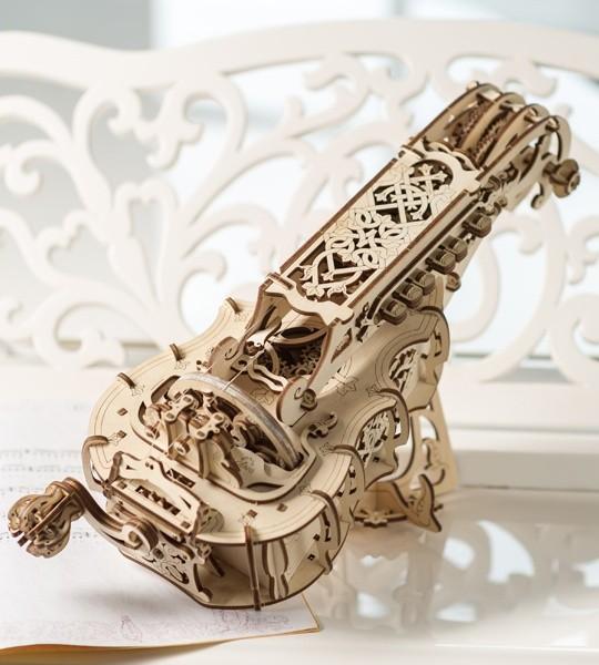 Ugears mecánico modelo kit Hurdy-Gurdy y rompecabezas de madera 3D. De pleno derecho medieval instrumento musical. Regalo original para niños y niñas y afición inteligente para adultos.