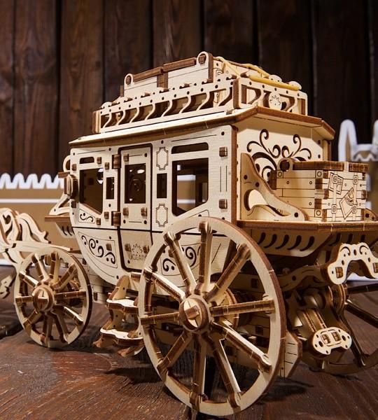 Ugears mecánica modelo kit Diligencia postal y rompecabezas de madera 3D. Conjunto de construcción y carro autopropulsado con espíritu del mundo occidental. Regalo original para niños y niñas y afición inteligente para adultos.