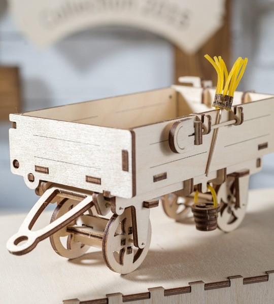 Ugears remolque del tractor modelo de kit mecánico y rompecabezas 3D de madera. Kit de construcción autopropulsada y adición al modelo Tractor. Regalo original para niños y niñas y afición inteligente para adultos.
