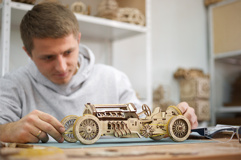 Wooden self-propelled puzzle of Racing Car: U-9 Grand Prix