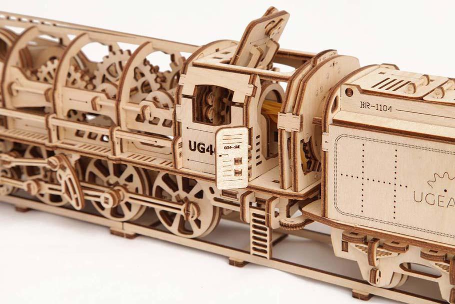 Locomotive with tender «UGEARS 460»